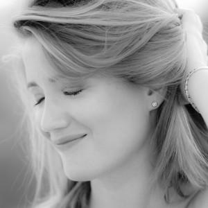 Black and white Portrait photo of blonde young woman - fiatal szőke nő fekete-fehér arckép