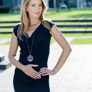 model photography young blonde woman in elegant blue dress - modell fotó fiatal elegáns kék ruhás szőke nő