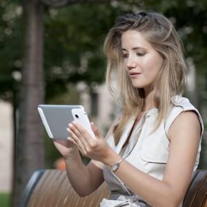 portrait of young woman with tablet - fiatal nő portré tablett PC-vel