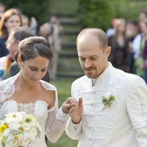 Wedding photos - portrait photo bride and bridegroom - esküvői fotó - menyasszony vőlegény
